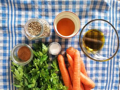 Karotten mit Honig und Hanf